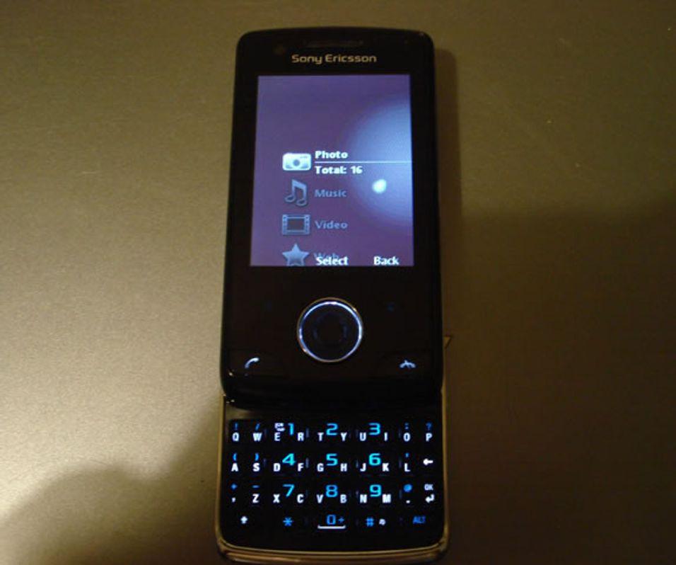 "Flere snikfoto av Sony Ericsson ""Paris"""
