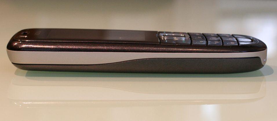 3120 Classic er en pen og billig 3G-mobil.