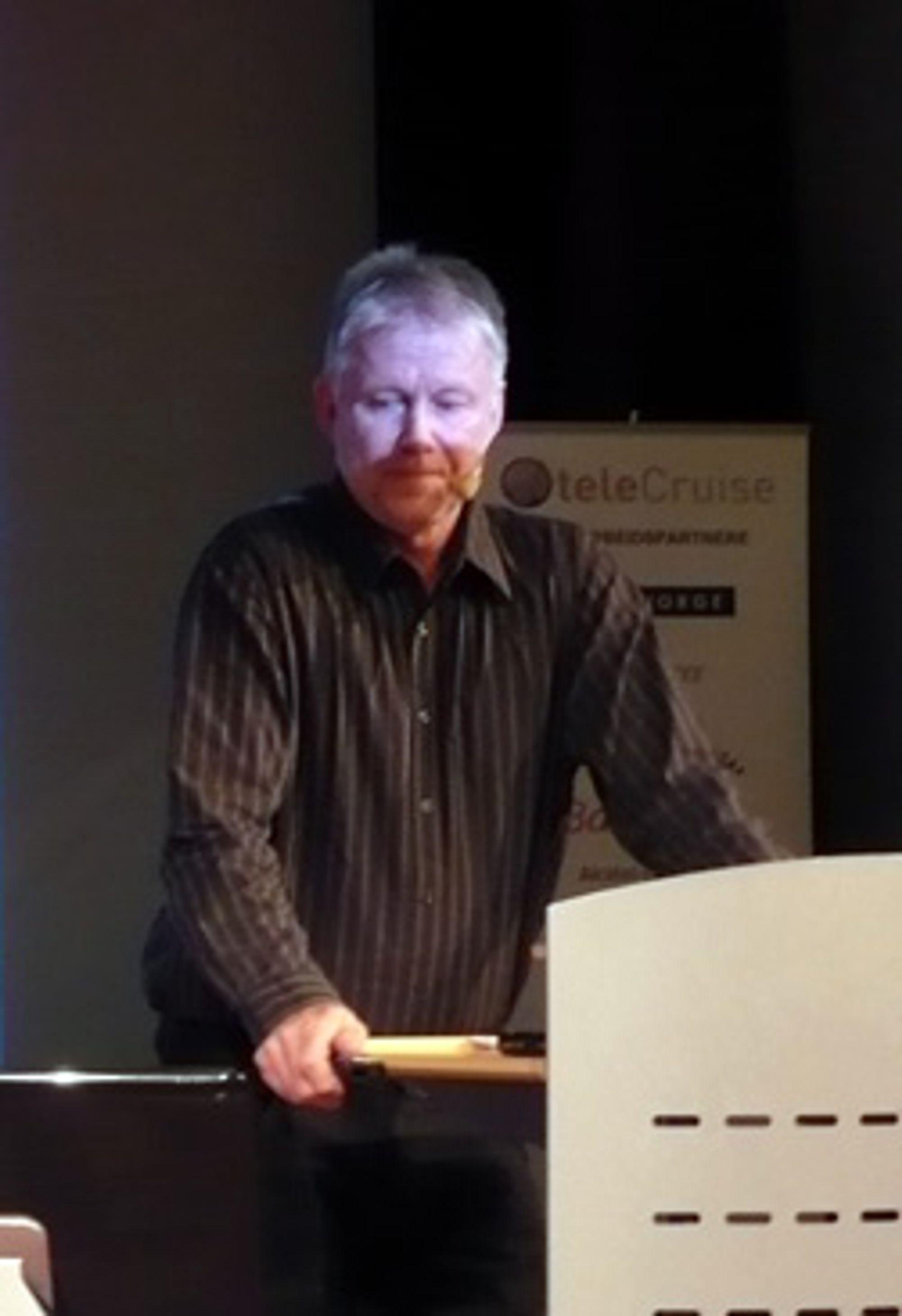 Arne Krokan, professor i NTNU, mener at aktørene må finne ut hva kundene egentlig skal betale for.