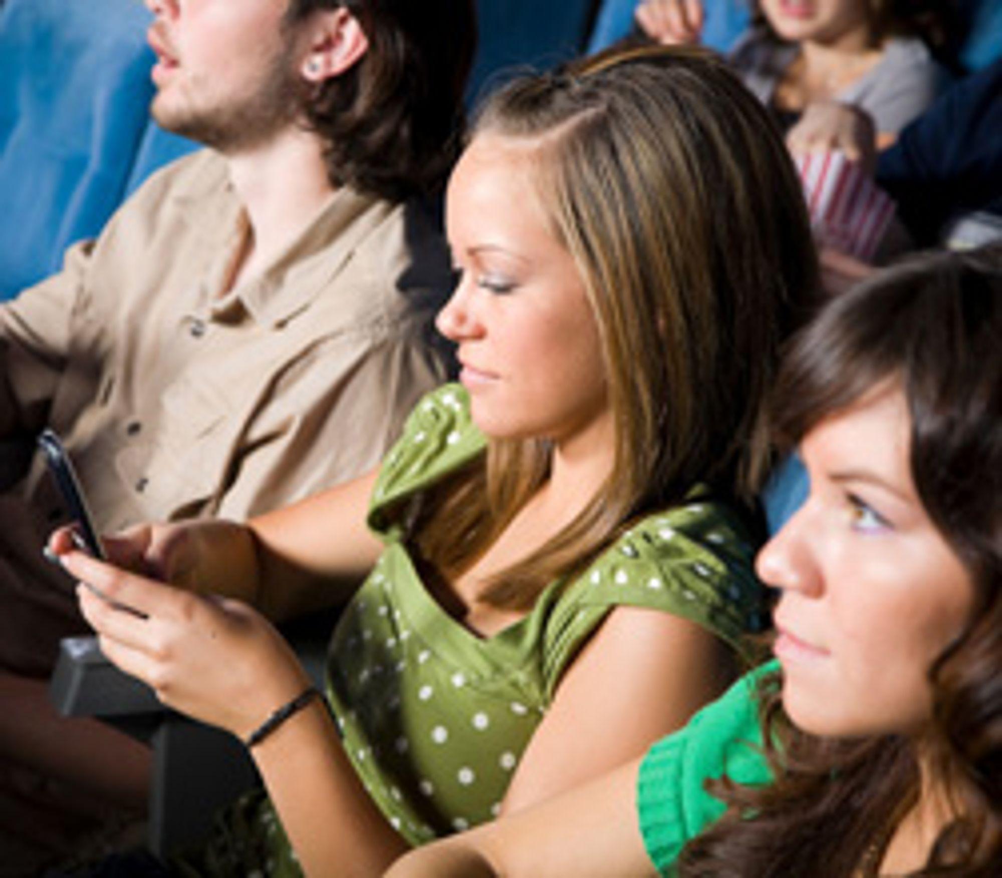 Amerikanere bruker nesten ikke tekstmeldinger, mens norske ungdommer sender nesten 12 om dagen. (Foto: Istockphoto / Rich Legg)