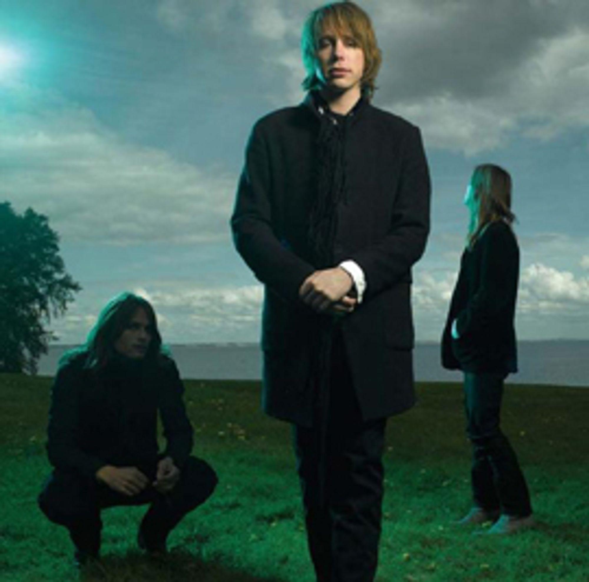 Jonas Bjerre, her sammen med bandet sitt Mew, har mange jern i ilden, og om litt kommer det blant annet endelig et nytt album fra de danske drengene.