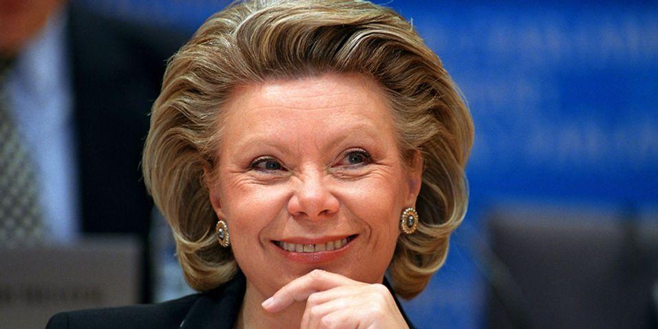 Viviane Reding ønsker seg lavere SMS-priser mellom EU-landene.