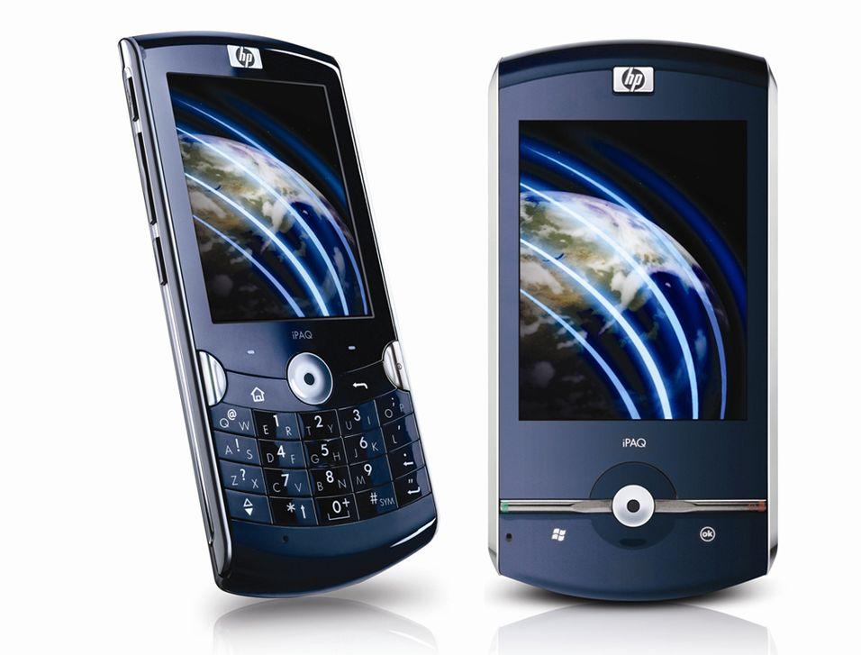 Ipaq Voice Messenger (til venstre) har et 20-tasters tastatur under skjermen, mens Data Messenger har et utskyvbart fulltastatur.