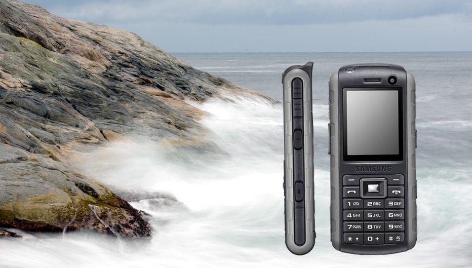 Samsung B2700 skal tåle litt sjøsprut.