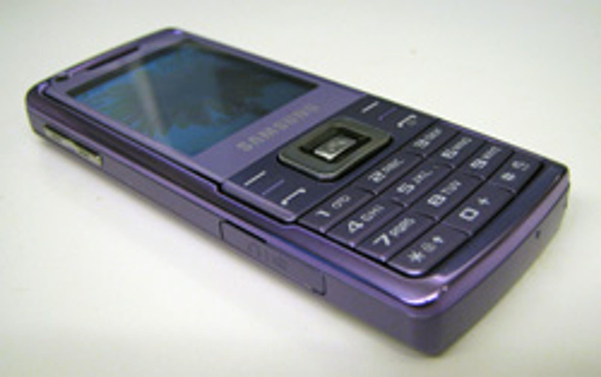 Samsung L700 nedenifra.