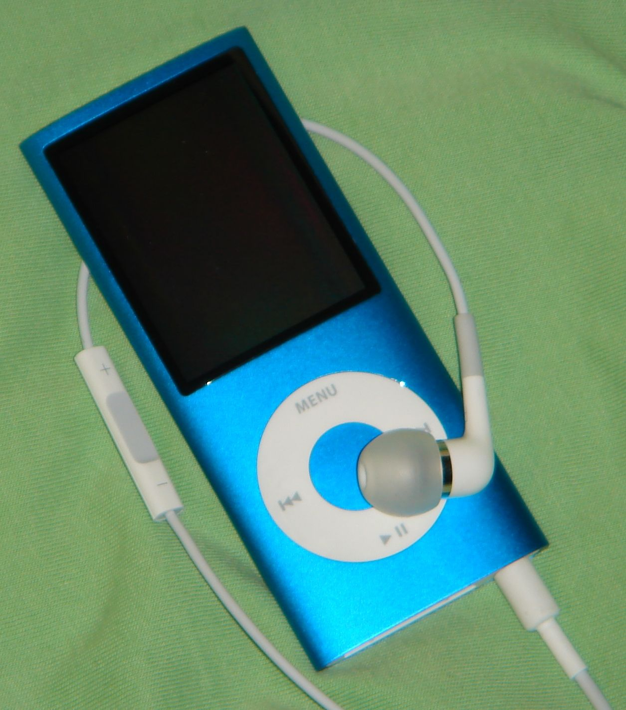 Apple In-Ear er et fint tillegg til Ipod Nano (Foto: Johan Mangseth)