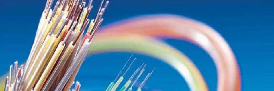 Småbyen Salisbury i North Carolina i USA tilbyr alle husstander og bedrifter ti gigabit per sekund bredbånd via fiberoptiske kabler, og planlegger å ta i brk nye PON-teknologier i 2016.