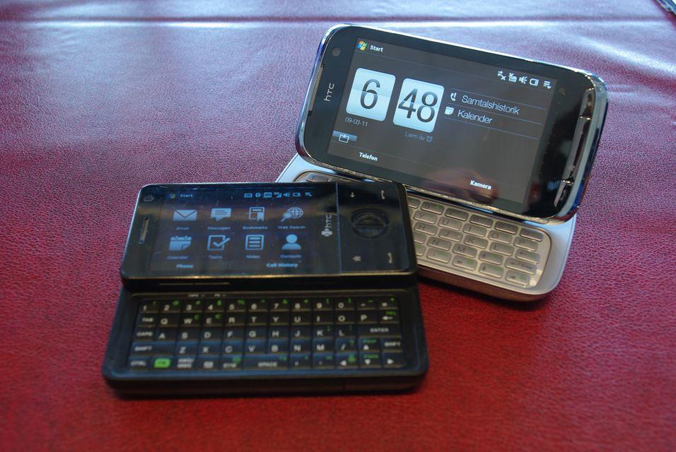 Touch Pro 2 (til høyre) er ganske mye større enn forgjengeren Touch Pro (til venstre)