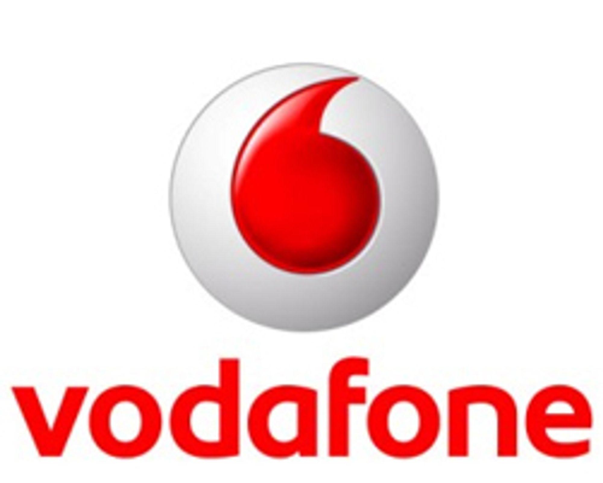 Vodafone fjerner roamingavgiftene i sommer.