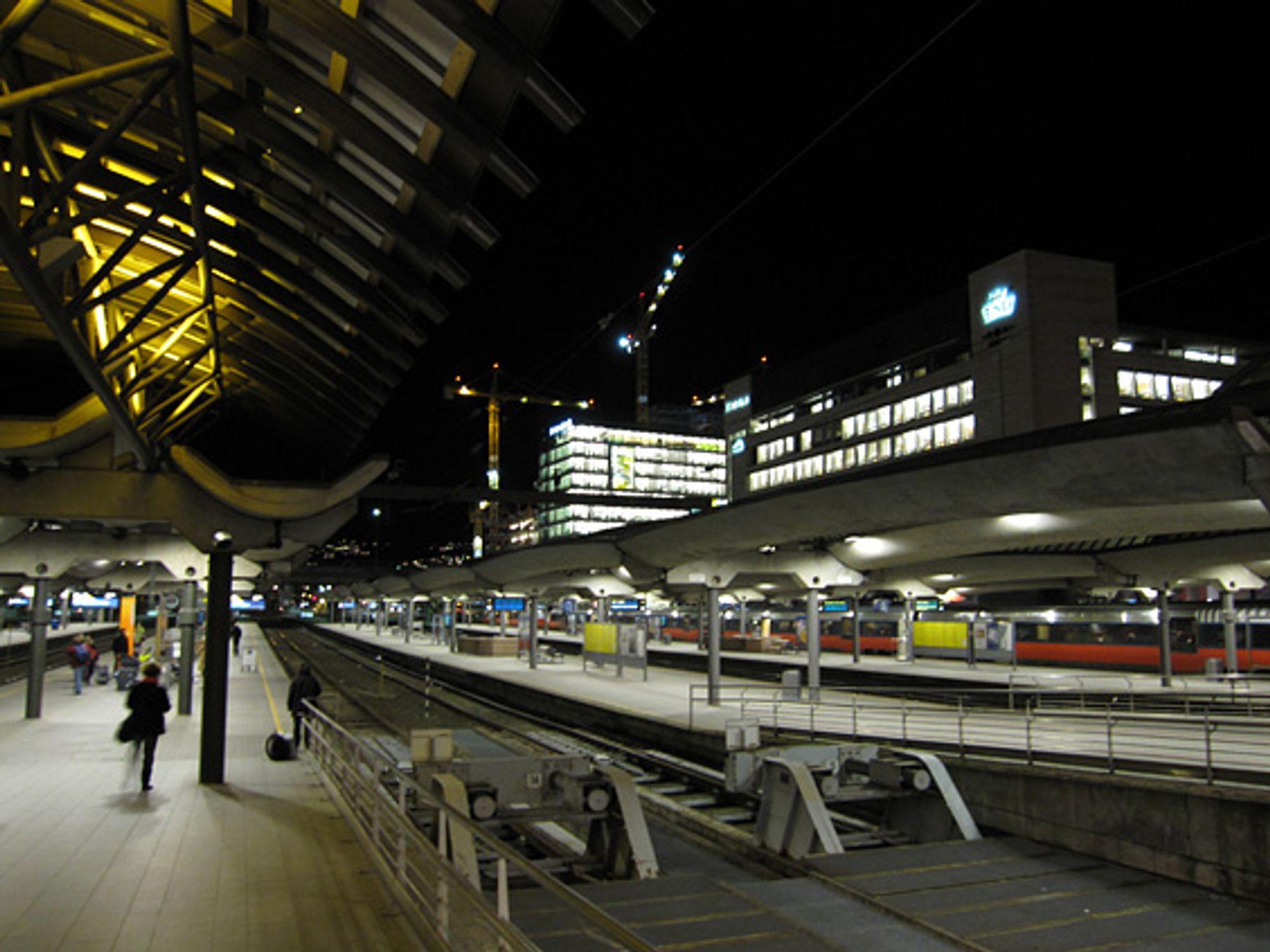 Perrongene på Oslo-S eies av Jernbaneverket