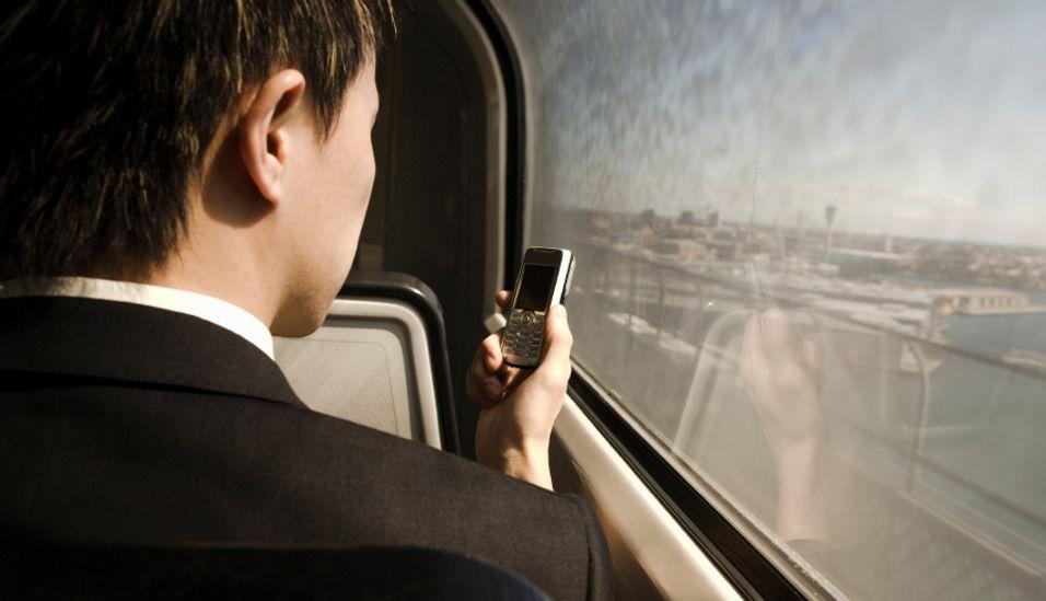 Vil ha bedre mobildekning på toget