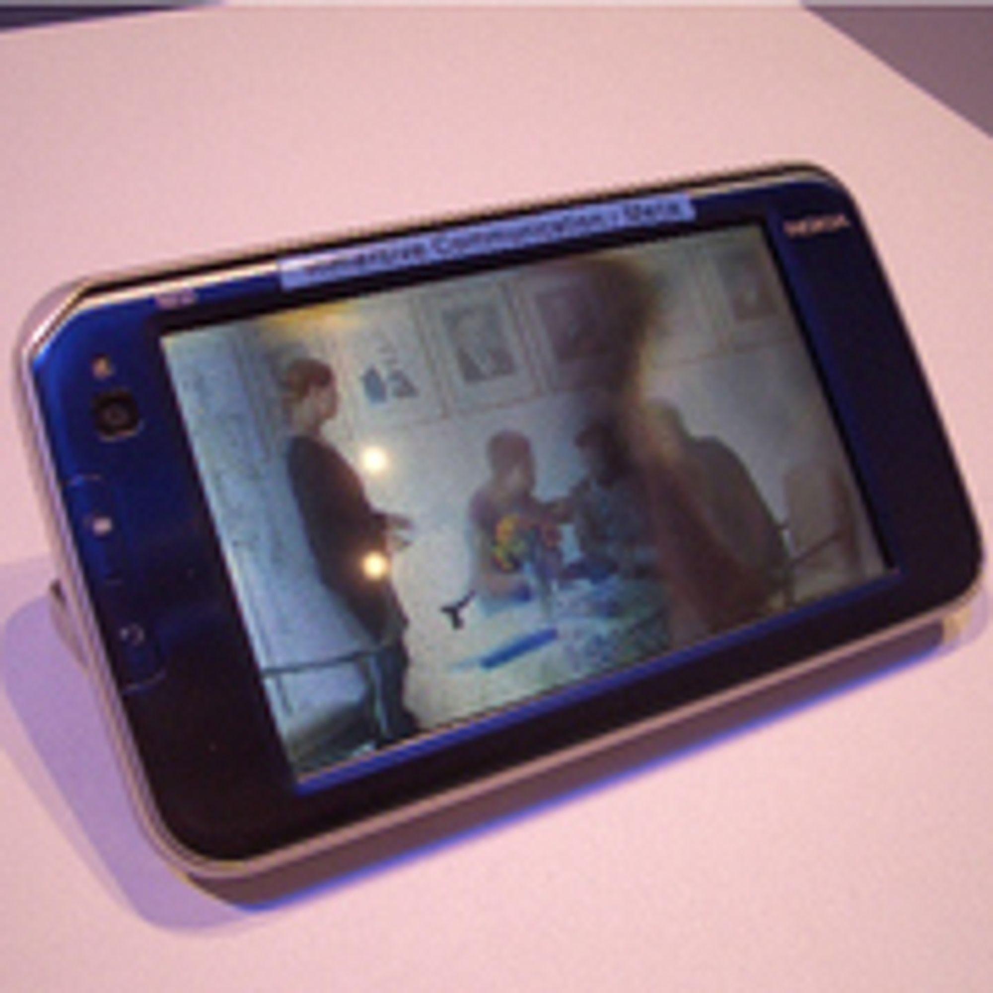 Dette er altså en N810 med 3D-skjerm. 3D-effekten er selvsagt ikke fangen opp av kameraet. (Foto: pocket-lint.com)