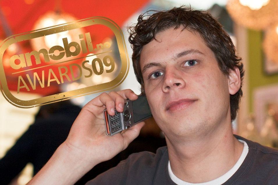 Juryleder Einar Eriksen har kåret Sony Ericsson W995 til Årets mobiltelefon, sammen med resten av Amobil-juryen.