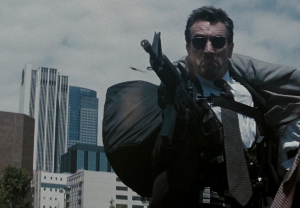 Heftige skytescener i høy oppløsning venter tilskueren når Heat går over på Blu-ray.