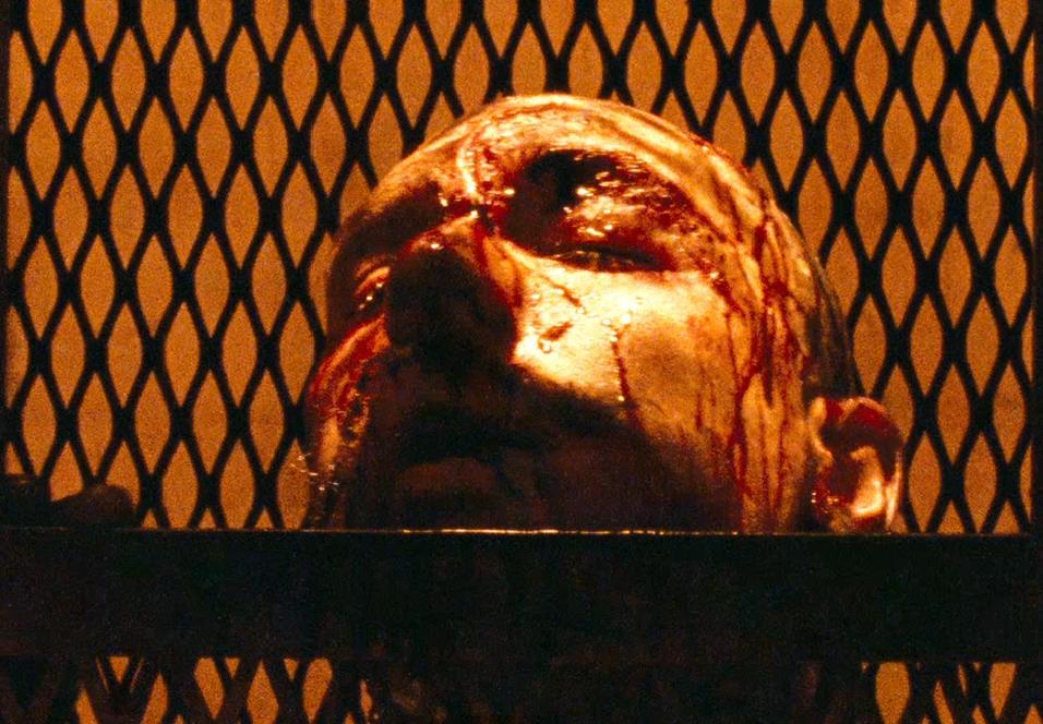 Brutal vold venter deg med Bronson på Blu-ray.