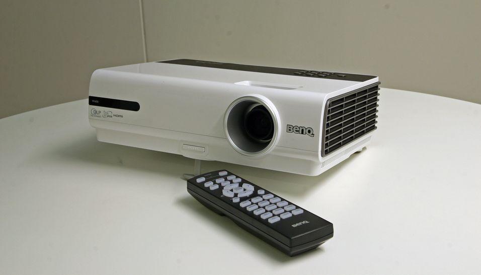 BenQ W600 er kompakt HD-klar og har en overkommelig prislapp, men holder det mot konkurrentene?