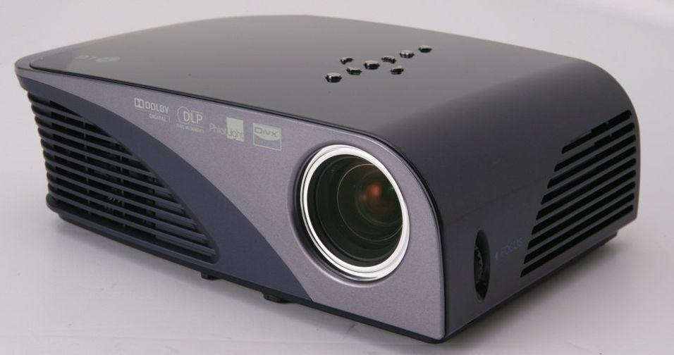 LG HS200: DivX-avspilling via USB og FM-sender er blant ingrediensene