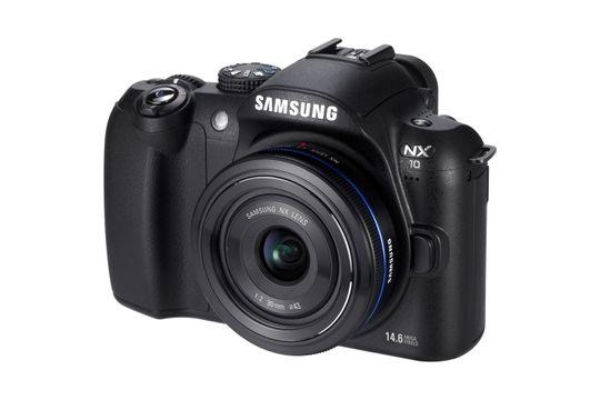 Samsung NX10.