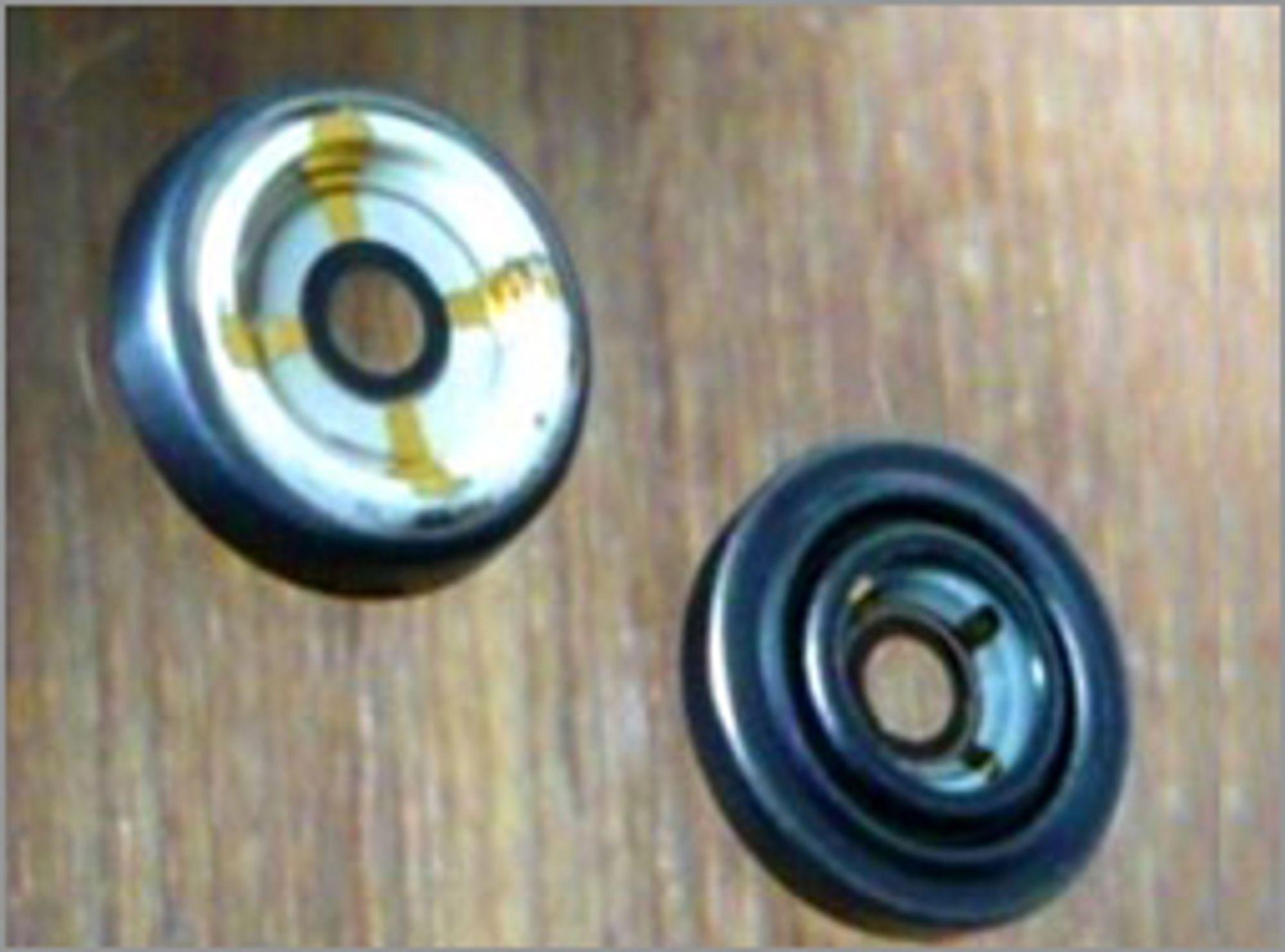 Flytende linser med (t.v) og uten bildestabilisator