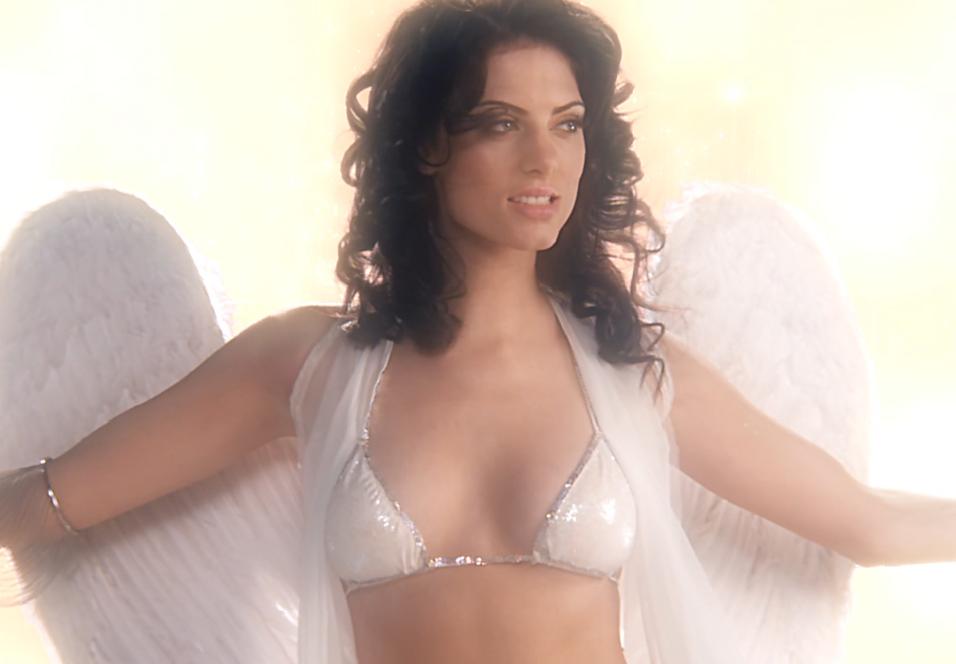 Klar for et stevnemøte med denne engelen i Bitch Slap?