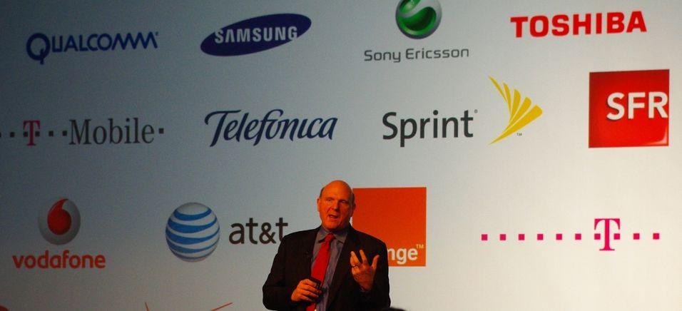 Steve Ballmer presenterer Microsofts samarbeidspartnere (Alle foto: Finn Jarle Kvalheim, Amobil.no)
