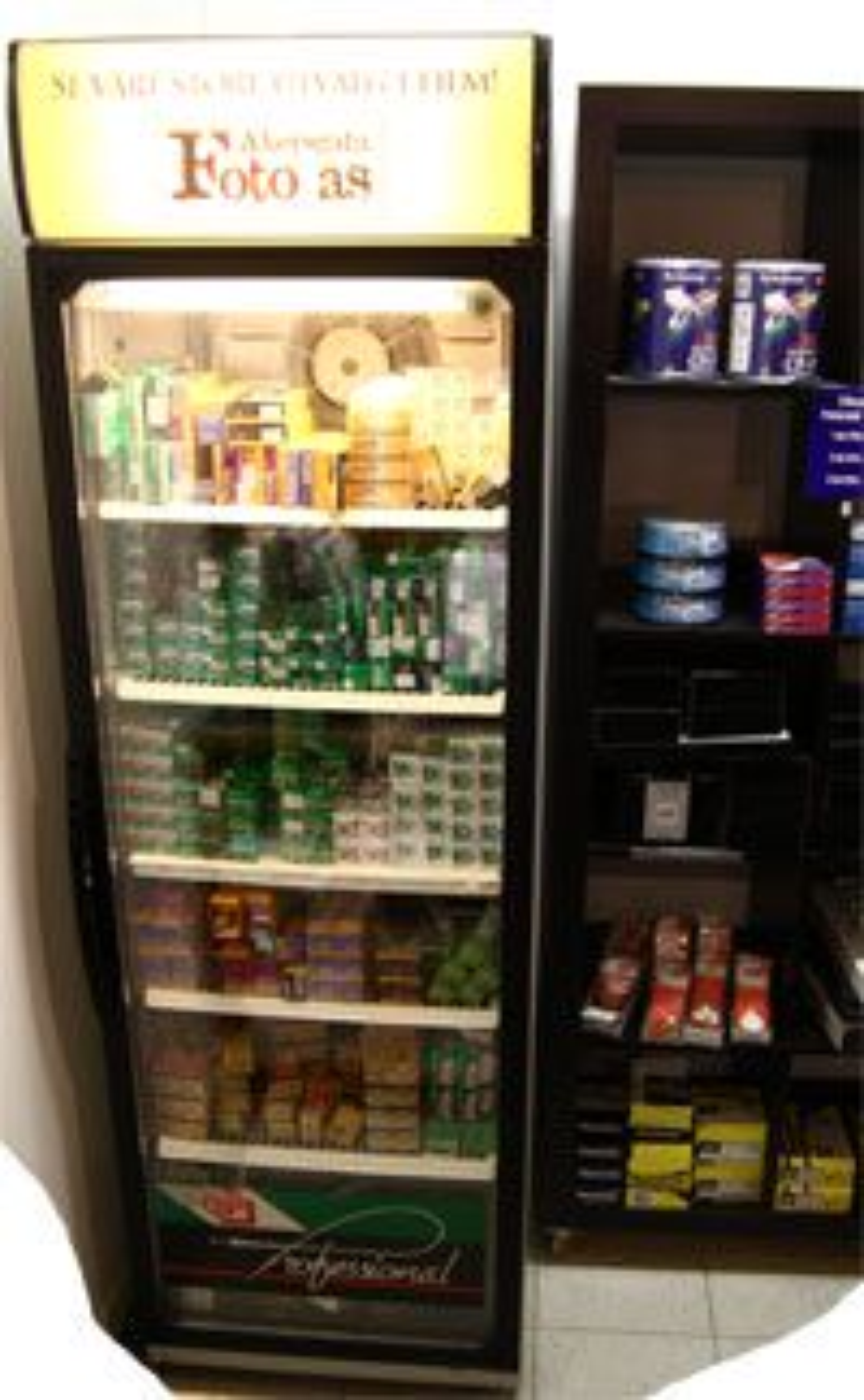 Velfyllt kjøleskap for deg som liker film.