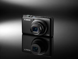 Canon S95 er det mest lommevennlige av de avanserte kompaktkameraene.