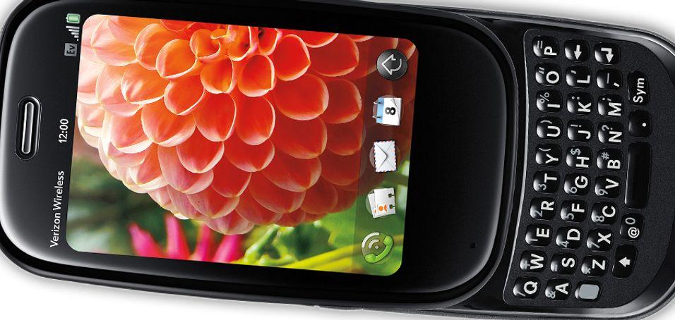 Palm Pre og Palm Pre Plus kjører begge Web OS og får betydelige mengder skryt, blant annet for fleroppgavekjøringen.