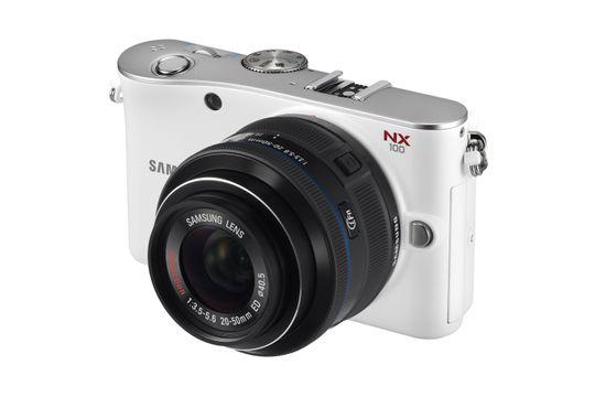 Samsung NX100.
