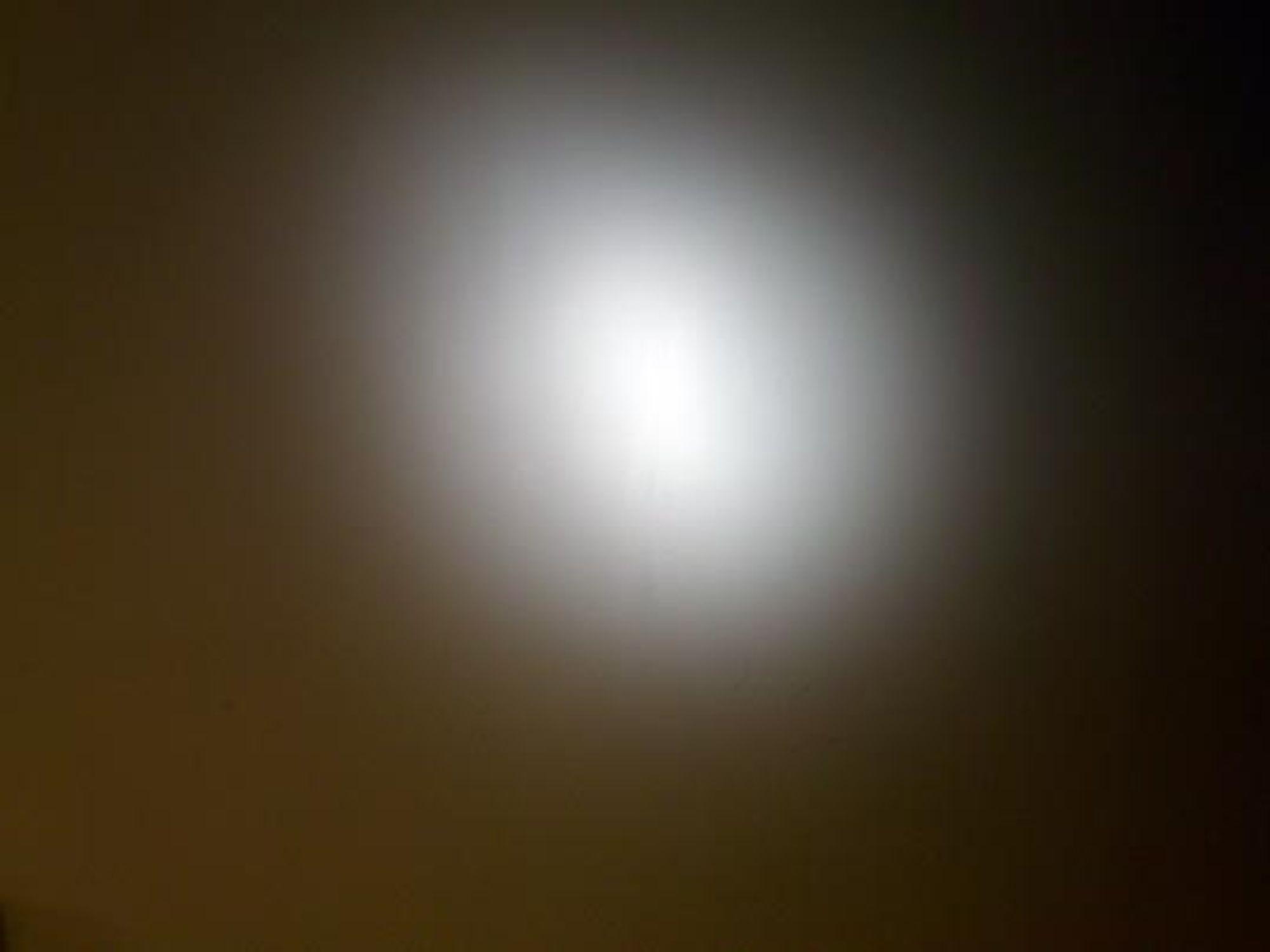 Med forsats, 105 mm zoom på blitsen