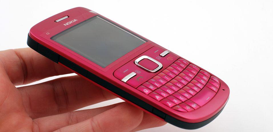 Nokia C3 er nett og rosa.