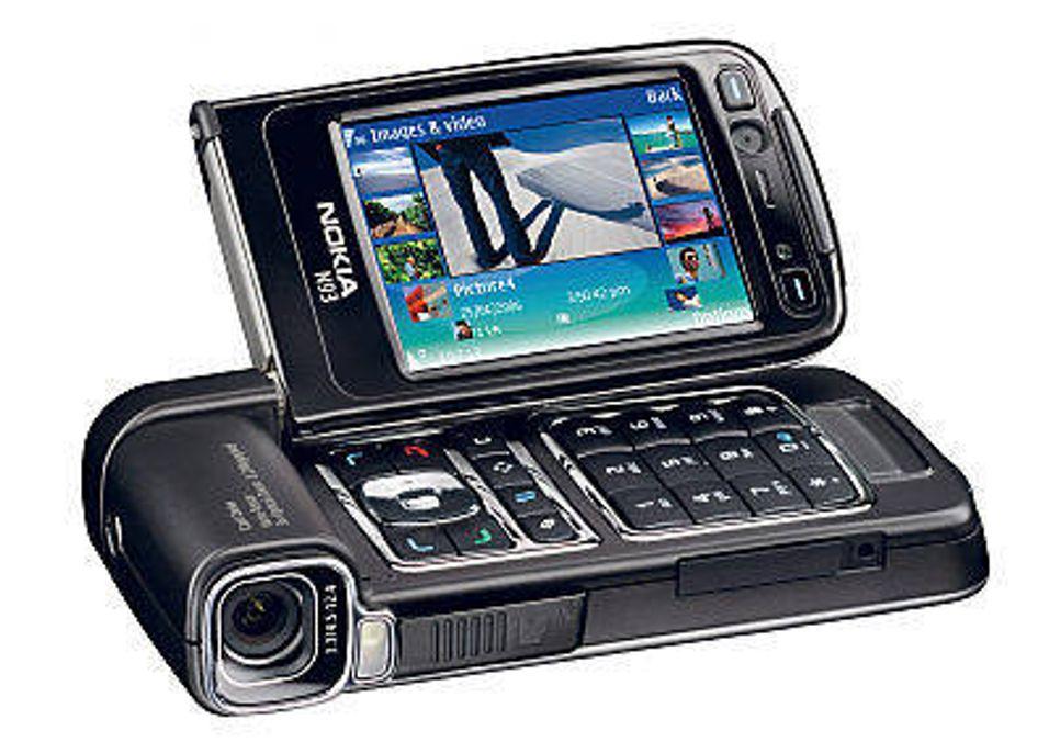 TEST: Årets mobiltelefon?