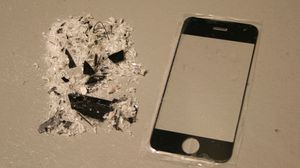 Tollvesenet ser ikke med blide øyne på import av piratkopierte iPhone-deler.