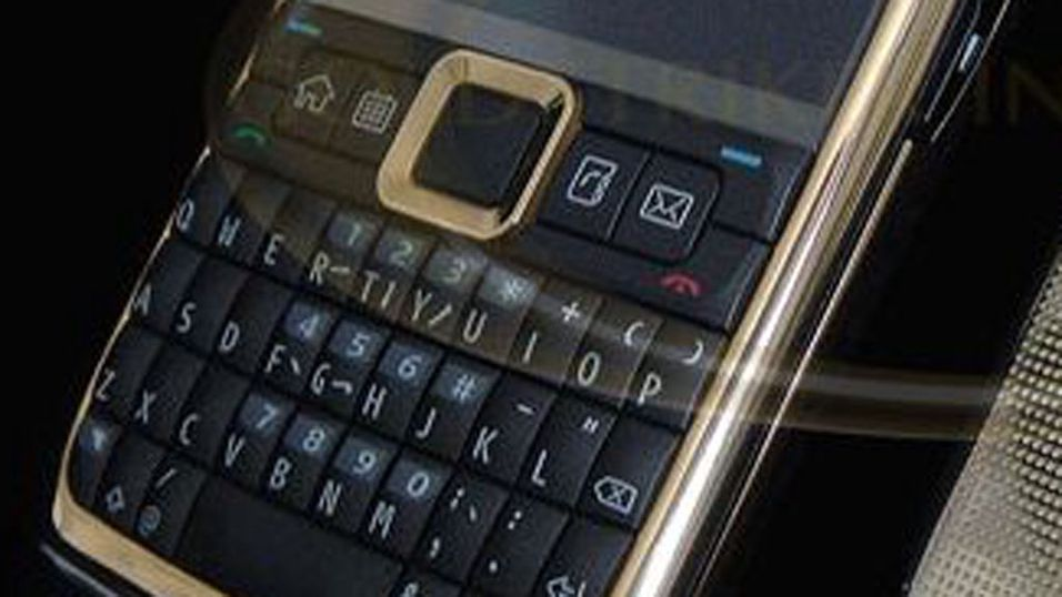 Nokia i gull og glitter