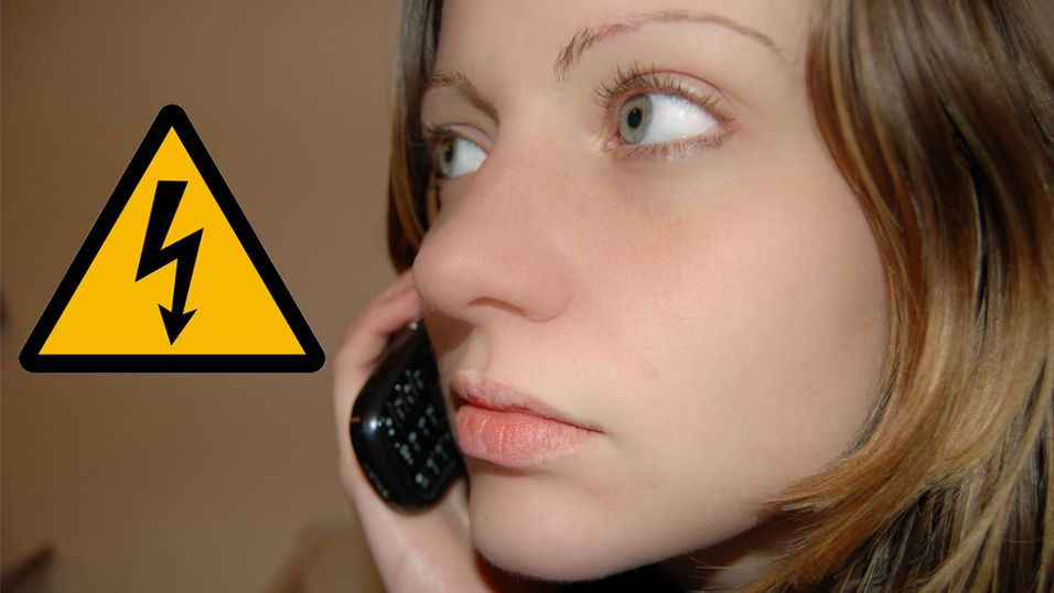 Advarer mot å bruke mobilen