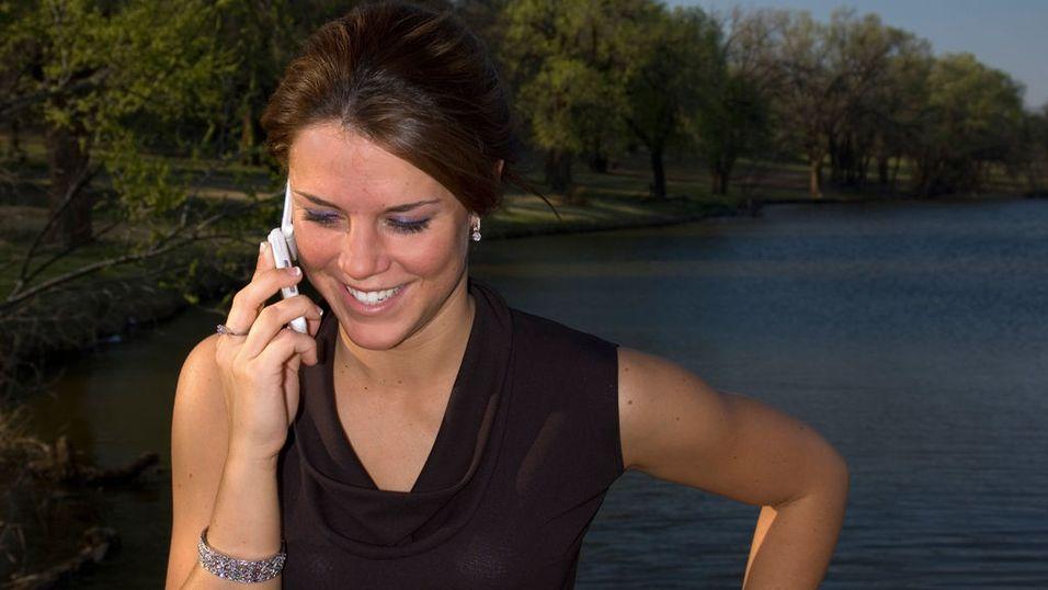 Kvinner gjør bevisste mobilkjøp