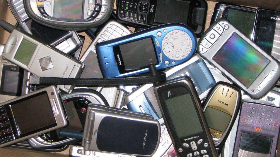 Bare tre av hundre resirkulerer mobilen