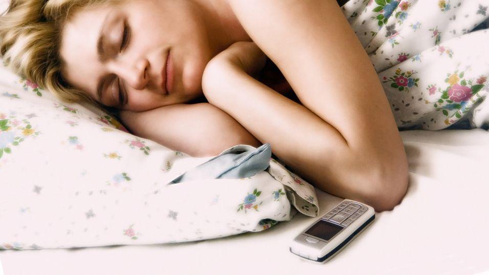 Folk flest våkner til mobilen