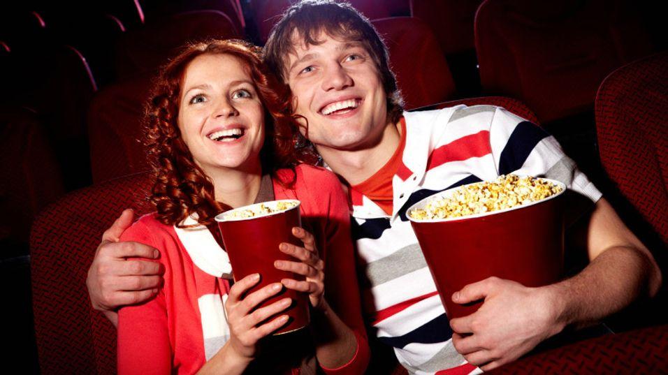 Spanderer kinobillett på kundene