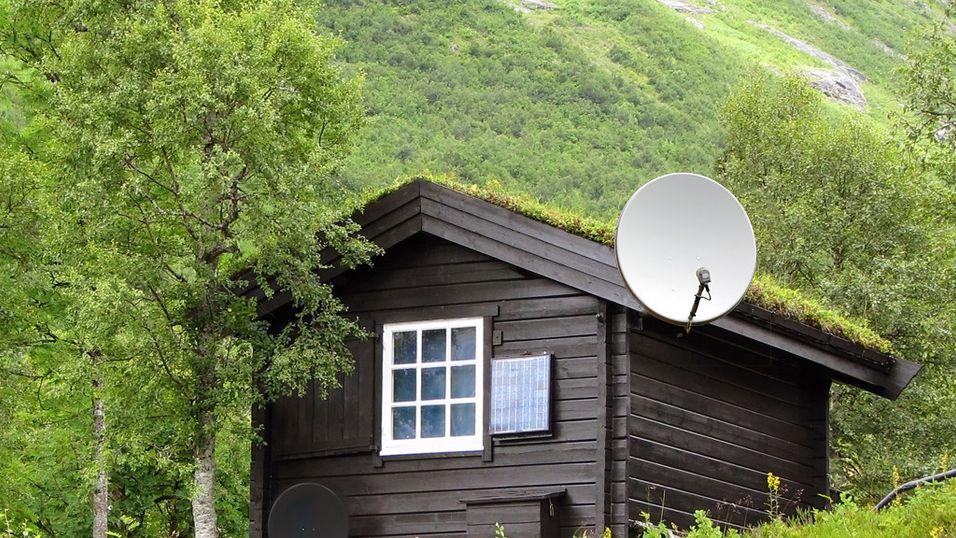 TEST: Parabol eller RiksTV på hytta?