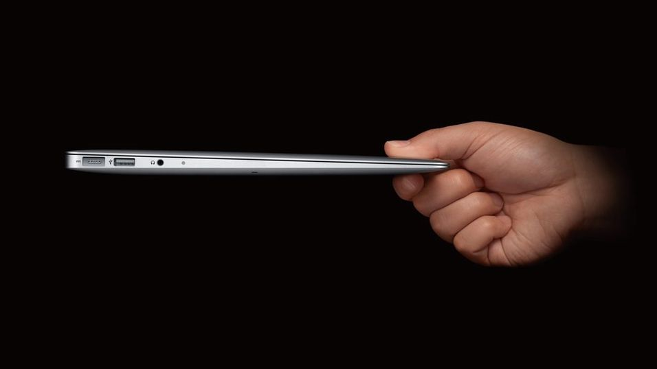 "TEST: Apple MacBook Air 11"""
