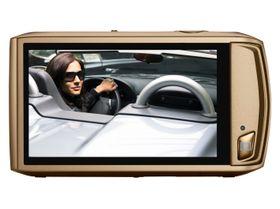 Canon Ixus 310 HS har trykkfølsom skjerm, og dermed ikke mange knapper.