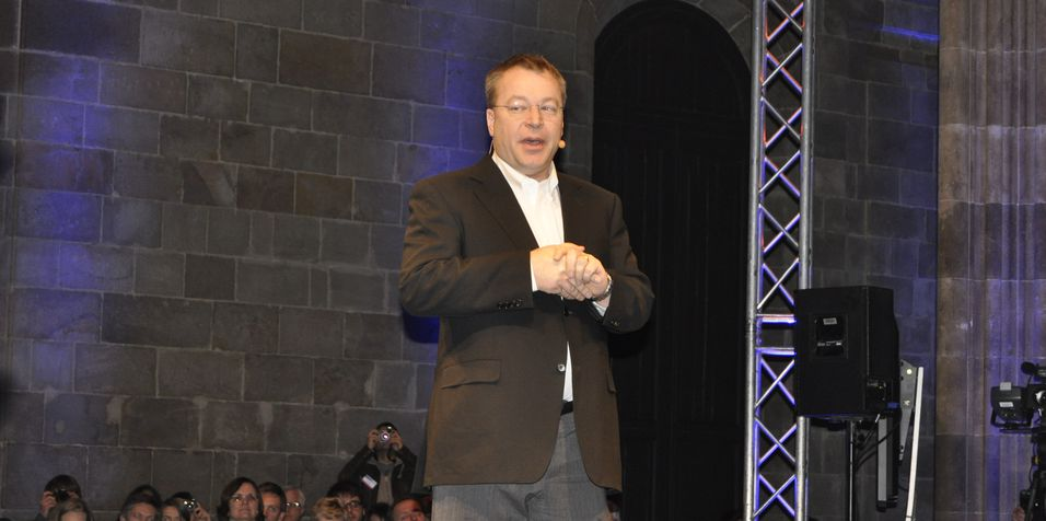 Nokia-sjef Stephen Elop har etter alt å dømme grunn til å gni seg i hendene etter avtalen med Microsoft. (Foto: Finn Jarle Kvalheim)