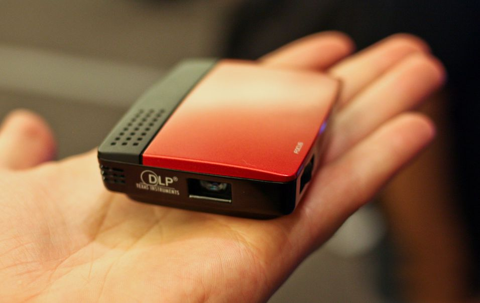 Pico-projektor slår et slag for USB
