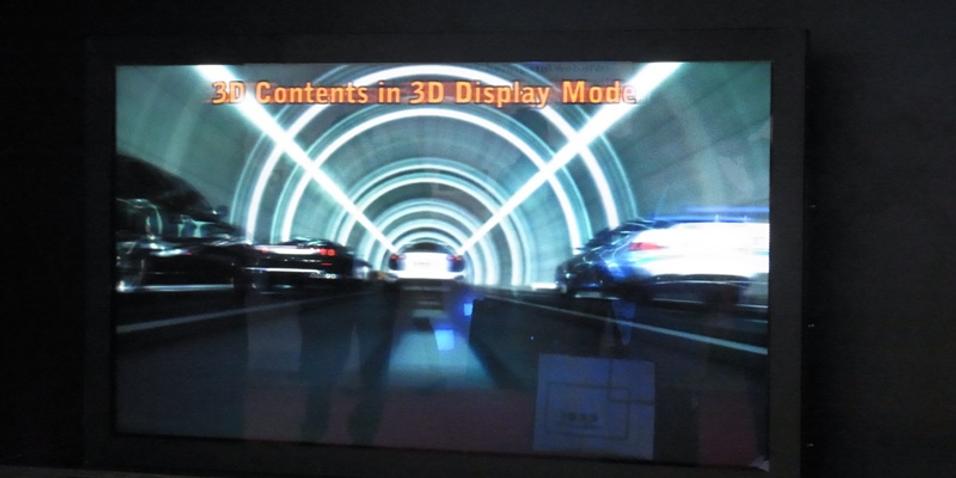 Samsung viser stor brillefri 3D-TV