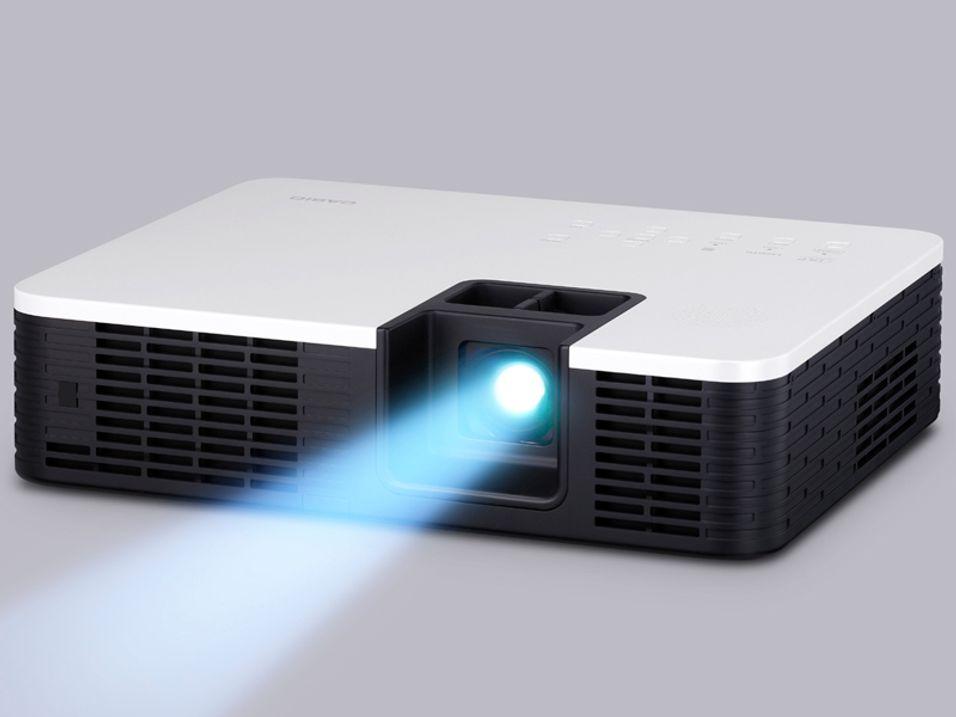 Casio med 12 nye 3D-projektorer