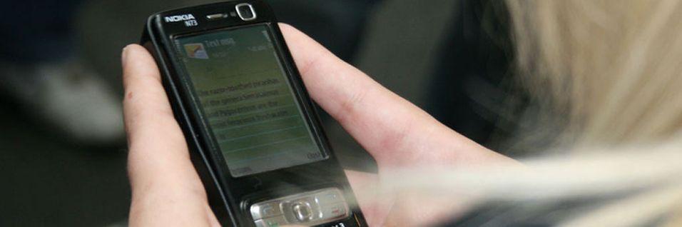Nødmeldesentralene må kunne ta i mot sms og seinere også video, bilder, epost og øyeblikksmeldinger.