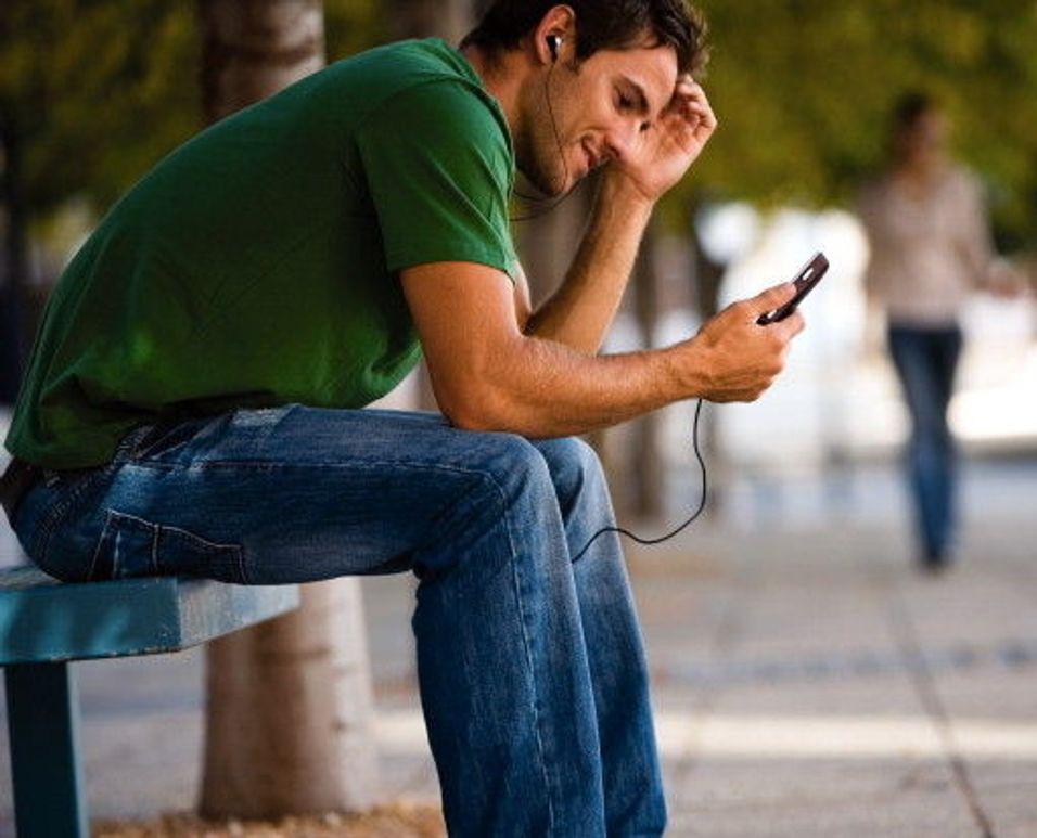 Flere fjerner startavgiften på mobil