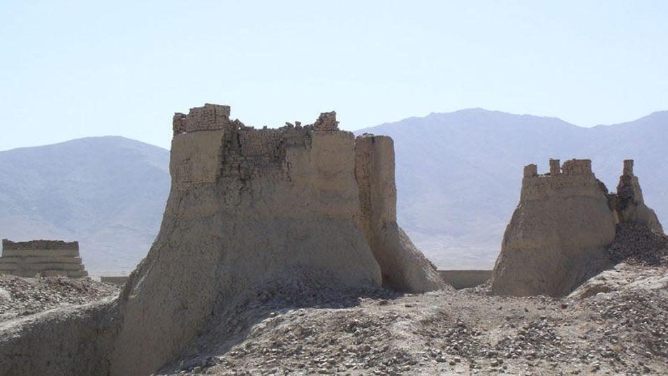 Taliban vil sprenge mobilmaster