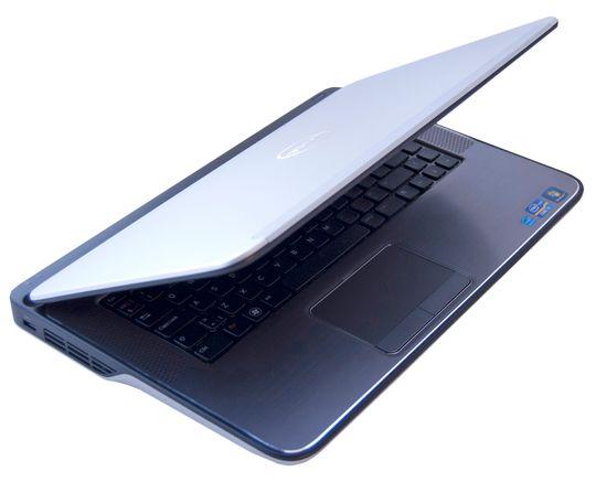 Dell XPS 15 skiller seg helt klart ut med sin spesielle design.